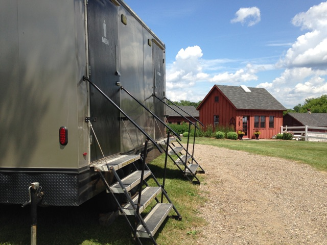 20-foot 8-Stall Shower Trailer - image Original-14-Ft-4 on https://jimmysjohnnys.com