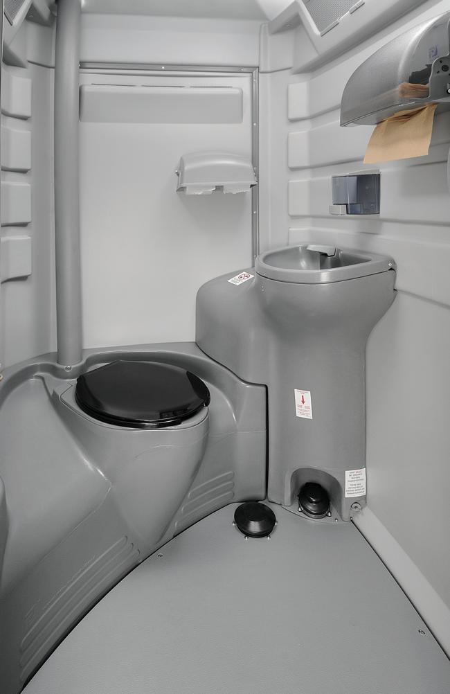 Flushable Portable Restroom Unit - image deluxe-interior on https://jimmysjohnnys.com